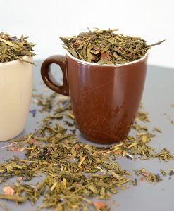 Thé vert de Chine Sencha*, datte (datte, farine de riz)*, écorces de cacao*, fève de cacao concassée*, arôme naturel.